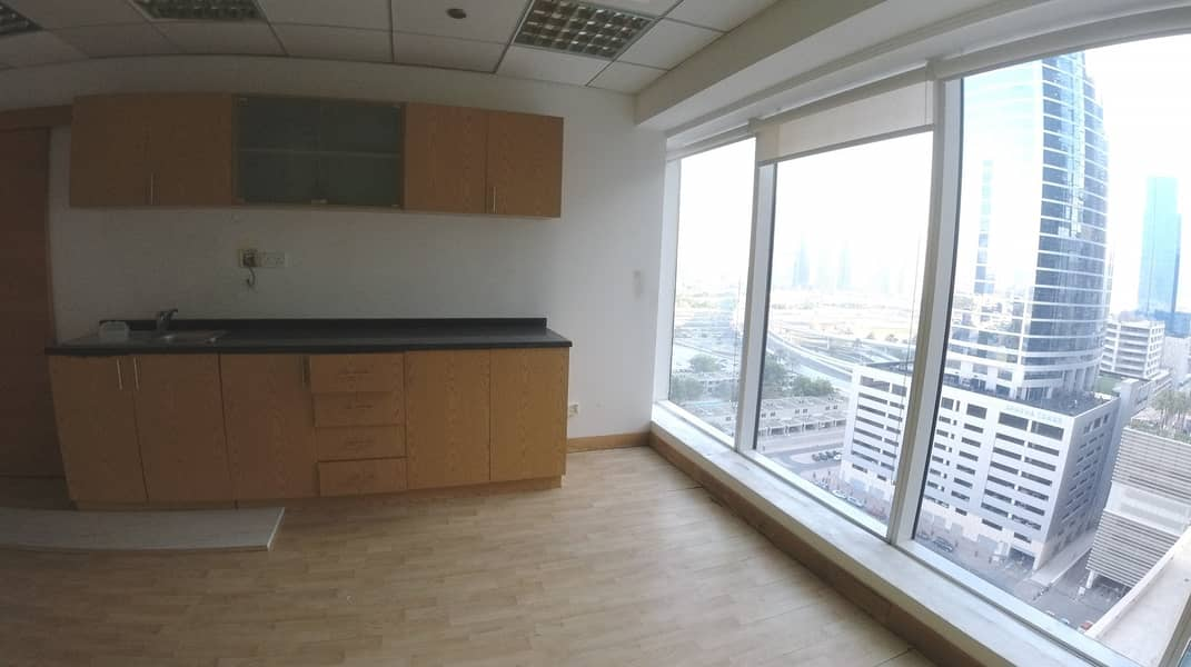 18 Fully Fitted Large Commercial Office Space to Lease