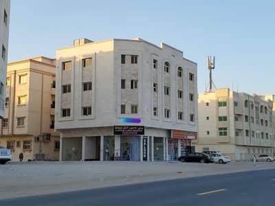 مبنی تجاري  للبيع في مويلح، الشارقة - للبيع بناية جديدة بالشارقة / مويلح زاوية