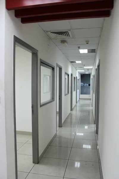 معرض تجاري  للايجار في ديرة، دبي - Massive Fitted Showroom in Deira