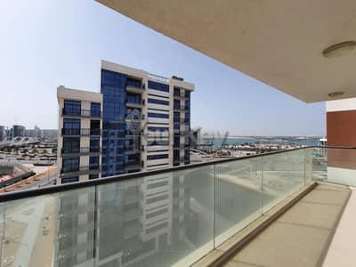 2 Bedroom Flat for Rent in Al Raha Beach, Abu Dhabi - Island Kitchen   Canal Views   Brand New