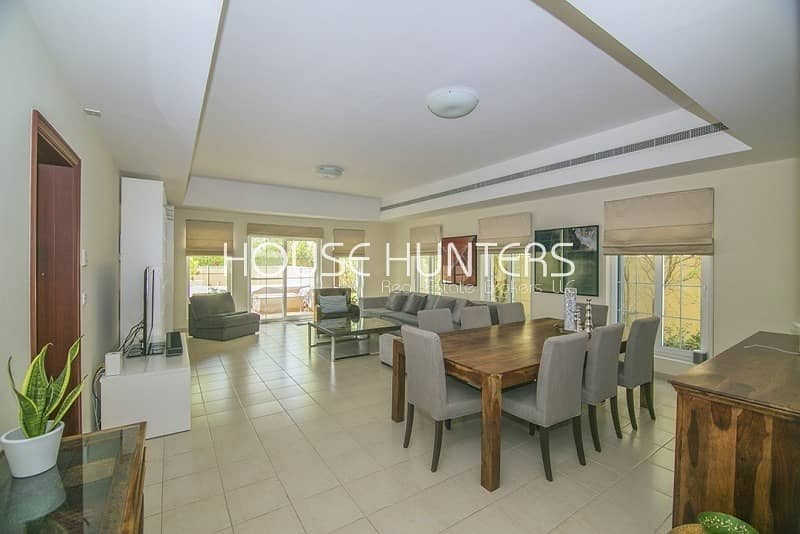 Exclusive Immaculate 5BR | Private pool |