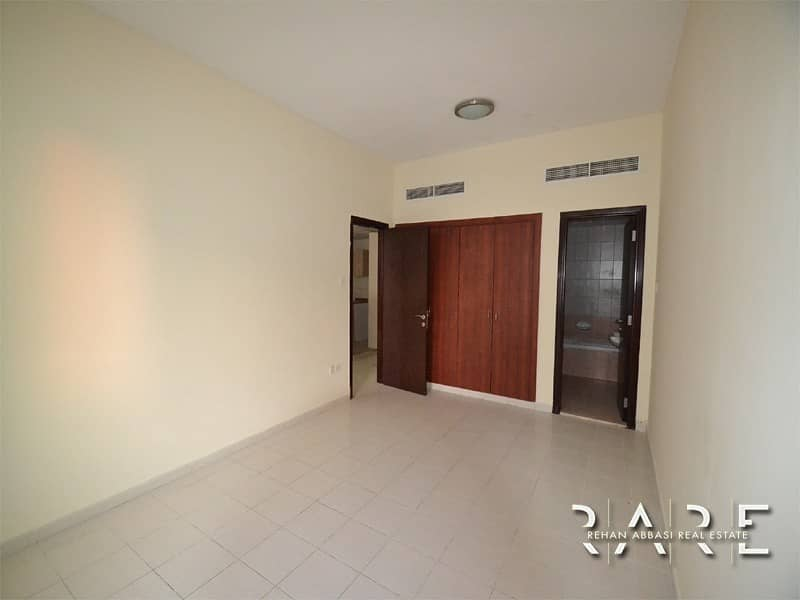 2 Chiller Free 1 Bedroom with Balcony
