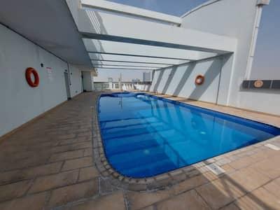 شقة 2 غرفة نوم للايجار في مدينة دبي الرياضية، دبي - شقة في المساكن الحمراء مدينة دبي الرياضية 2 غرف 42000 درهم - 5062304