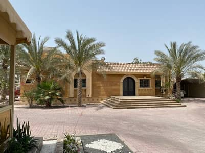 3 Bedroom Villa for Sale in Al Goaz, Sharjah - For sale a luxurious villa in Al Quoz (Wasit Suburb) / Sharjah