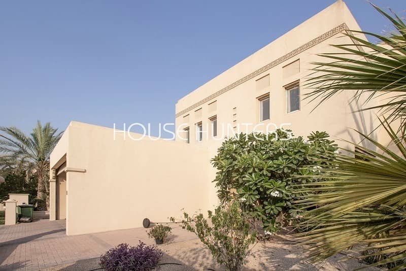 2 Exclusively Listed|Type 10|Corner Villa|Immaculate
