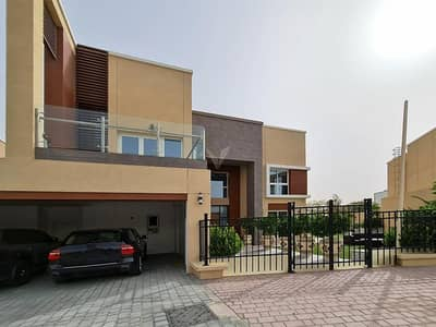 5 Bedroom Villa for Sale in Dubai Science Park, Dubai - Stunningly Upgraded Villa | Huge Plot | Facing Park & Play Area