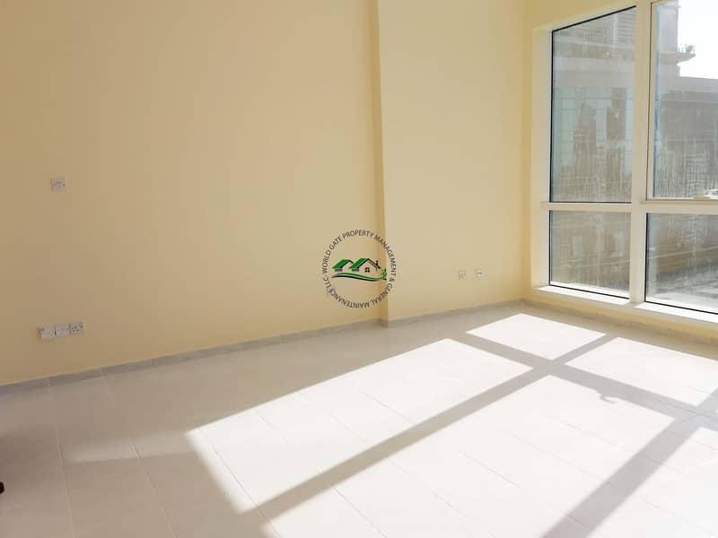 2 Spacious well maintained 1 BR apartment on Hamdan Street