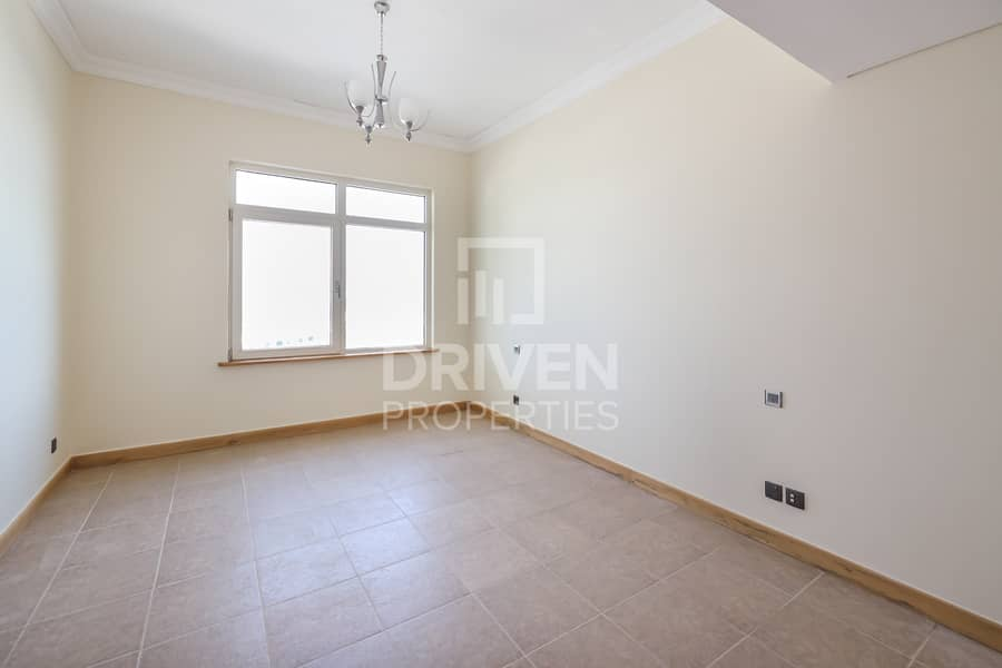 21 High Floor plus Maids Room with Sea View