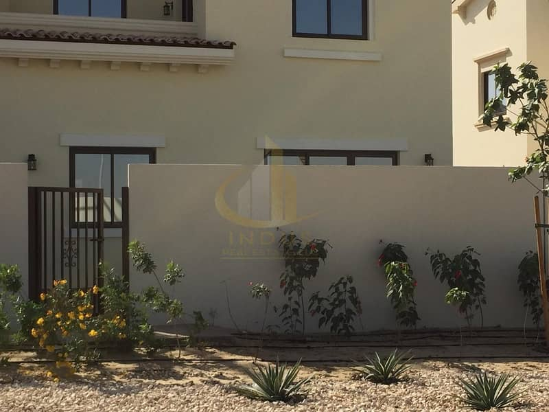 Brand New 4BR+Maid's Room Villa in Mira II