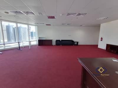 مکتب  للايجار في الخليج التجاري، دبي - Spacious Office | Fantastic View | Close to Metro