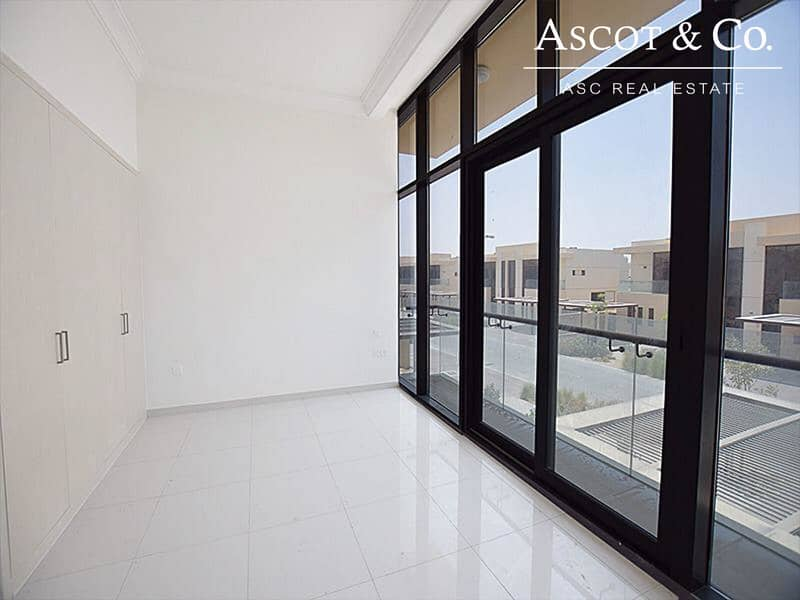 10 TH-M | 3Bd + Maids Property is Available