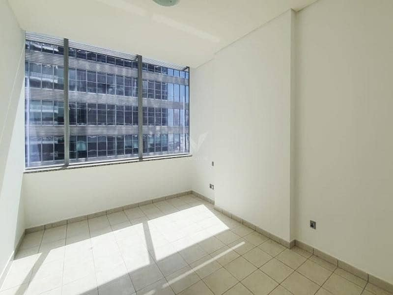 10 Vacant | Sky Gardens | Two Bed