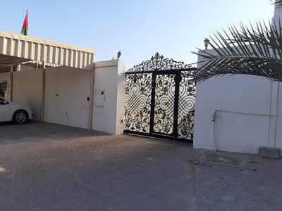 فیلا 10 غرف نوم للبيع في الراشدية، دبي - فيلا للبيع مساحه كبيره موقع ممتاز