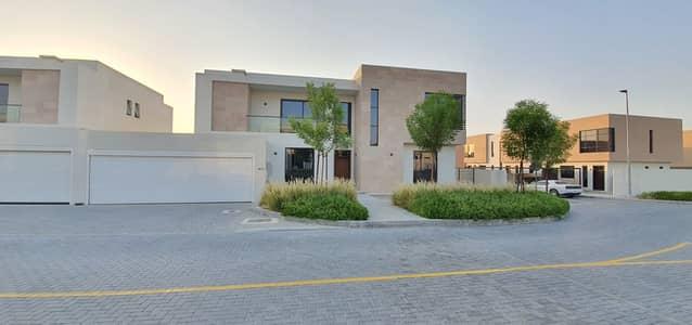 5 Bedroom Villa for Rent in Al Tai, Sharjah - Independent signature corner 5br+maids villa, 6500sqft, rent 130k in 1chqs, in front of nasma park