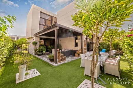 فیلا 5 غرف نوم للبيع في داماك هيلز (أكويا من داماك)، دبي - Fully Upgraded | Owner Occupied | 5 Beds