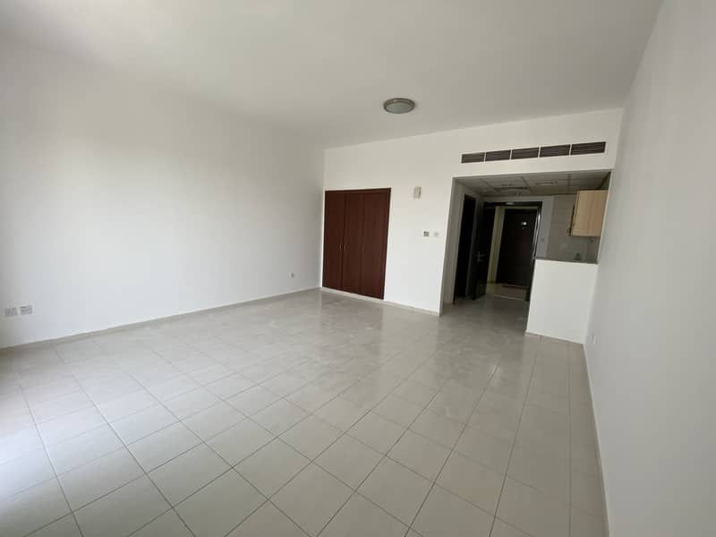 Beautiful Clean Studio With Balcony In Greece Cluster Ready For Rent