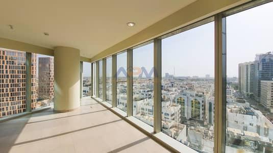 3 Bedroom Flat for Rent in Al Khalidiyah, Abu Dhabi - Breath Taking ! 3 Bed Apartment + 2 Parking + Gym + Maid.