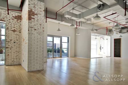 Office for Sale in Business Bay, Dubai - Fitted | Close to Metro | 4 Parking Spaces