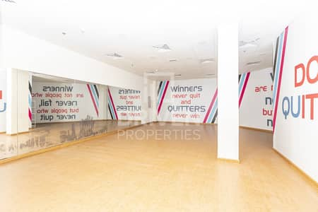 Shop for Sale in Jumeirah Lake Towers (JLT), Dubai - Well-managed Retail Shop | Best Location