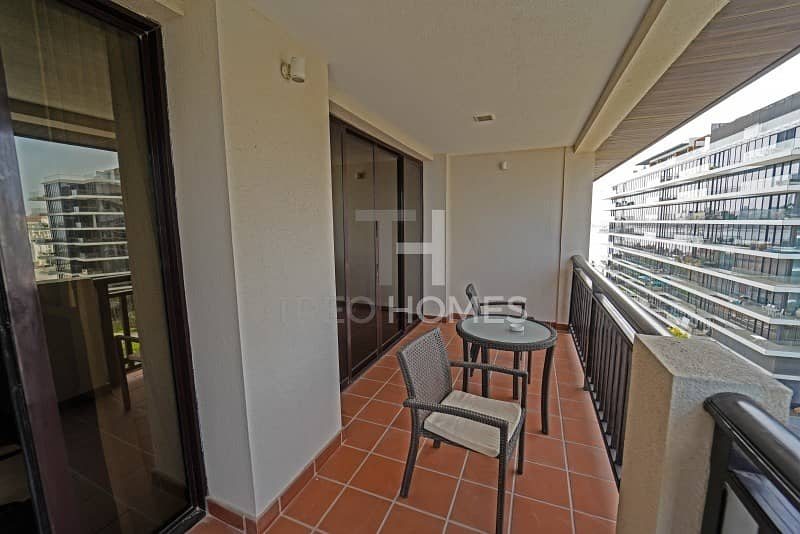 18 Spacious Apartment | Hotel Amenities | Available Now