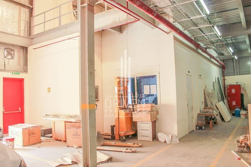 19 Vacant High-Quality Industrial Warehouse