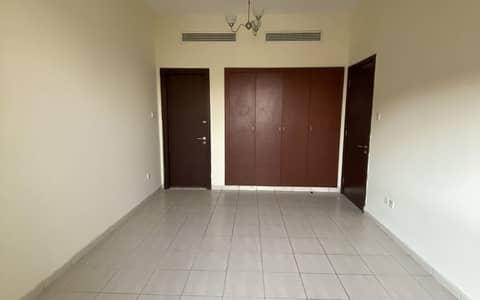 فلیٹ 1 غرفة نوم للبيع في المدينة العالمية، دبي - شقة في الحي البريطاني المدينة العالمية 1 غرف 293000 درهم - 5065845