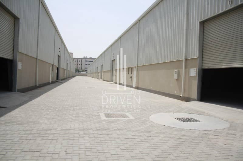 Warehouse in Fitted Unit in Phase 2