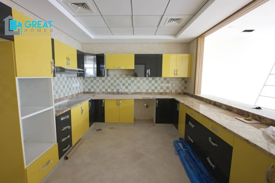 28 Brand New Modern 4 bedrooms Villa for rent