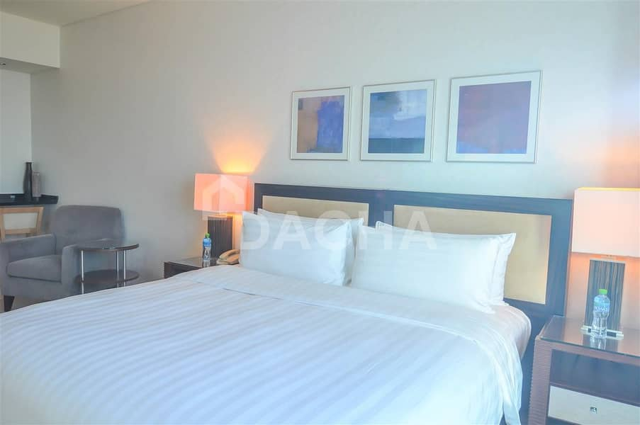 24 Downtown Studio in Iconic 5* Shangri-la hotel / Sea view / Short & long term stay