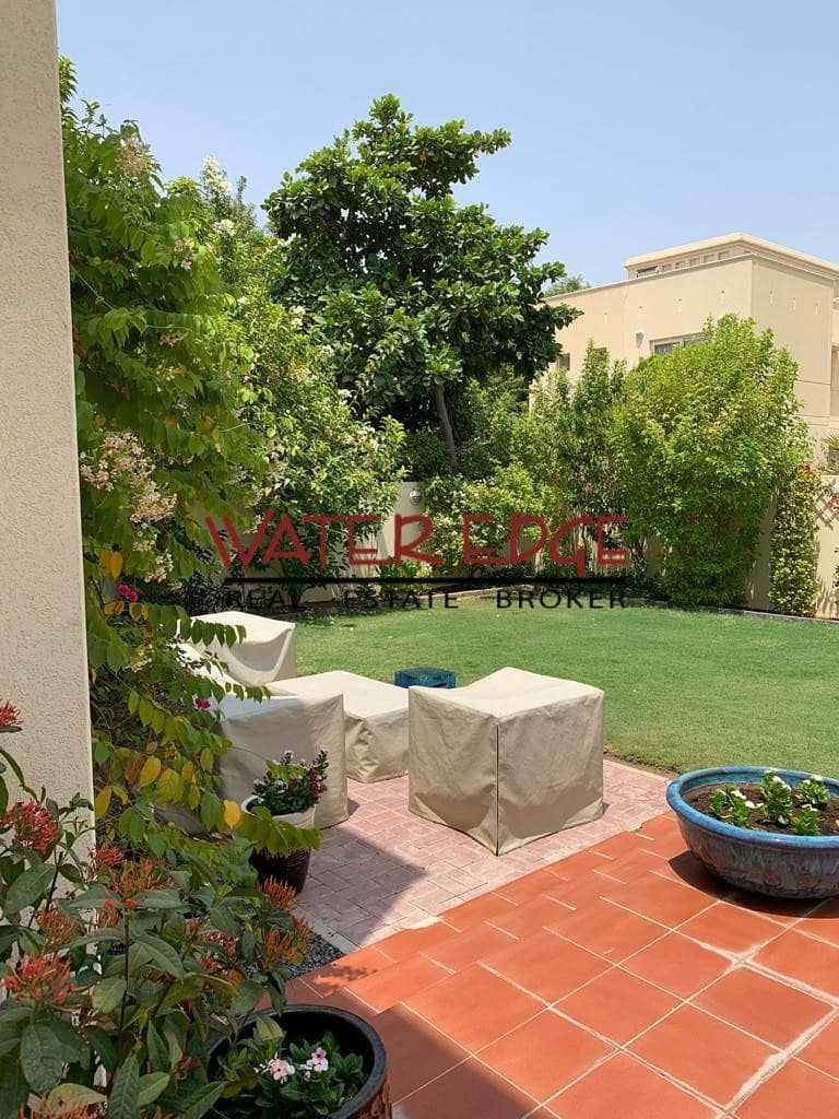 2 Upgraded I Quiet and Peaceful Villa I 3BR + Maids