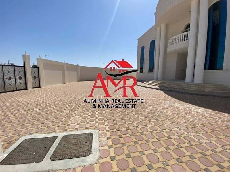 16 Brand New Bright Villa With Private Huge Yard