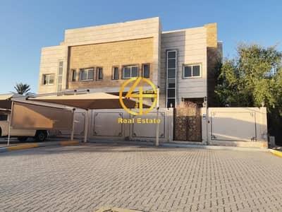 5 Bedroom Villa for Rent in Al Maqtaa, Abu Dhabi - Ample 5 BR Villa |Swimming pool| Prime Location