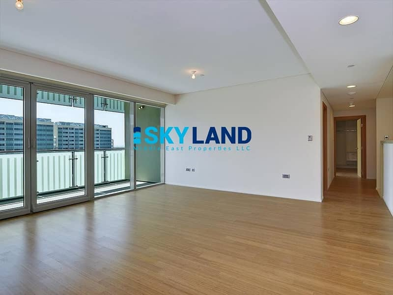 Luxurious Lifestyle ! Huge 2BR+Store+Laundry with Balcony !