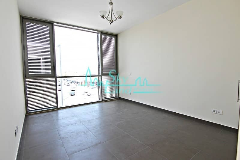 15 Prime location  |  Modern Large 2 Bed Near Canal