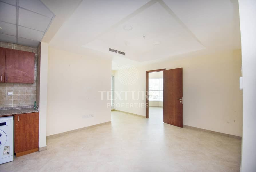 2 Motivated Seller   Exclusive Apartment   Lake View