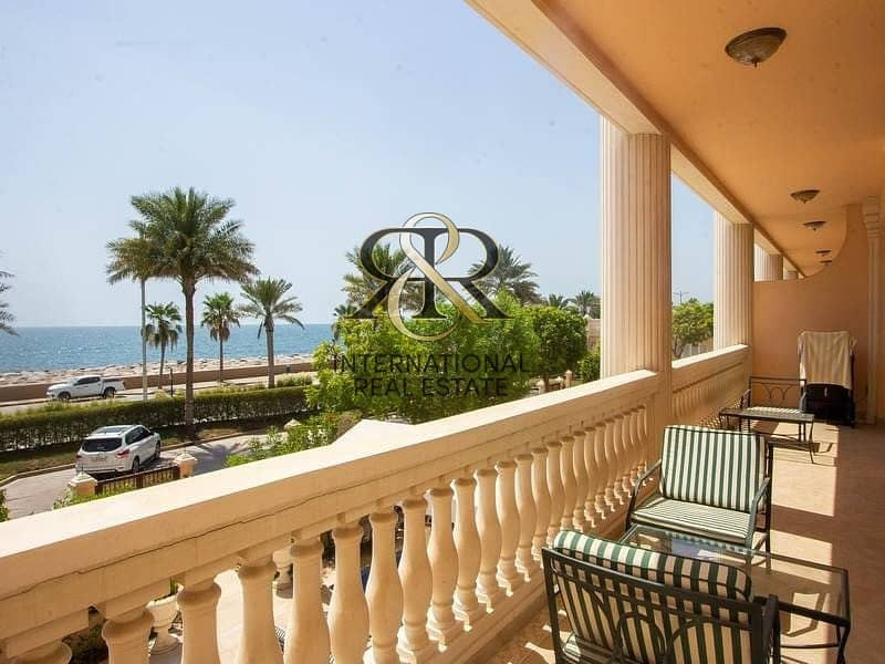Exclusive | Furnished with Private Pool and Sea view