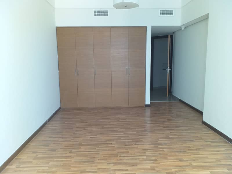 chiller free luxury 2bhk apt both master room with all facilities in Al majaz 3, buhaira corniche sharjah