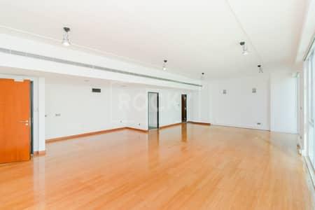 Office for Rent in Dubai Media City, Dubai - Fitted Office   with Pantry   Dubai Media City
