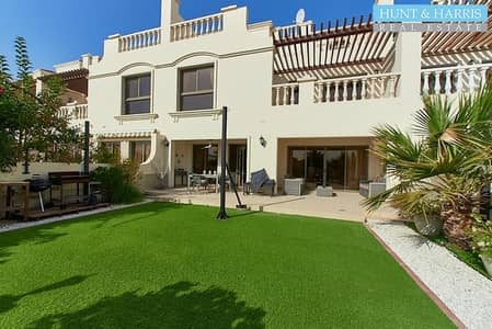 4 Bedroom Townhouse for Rent in Al Hamra Village, Ras Al Khaimah - Remarkable Furniture - Beautiful Landscaped - Golf View