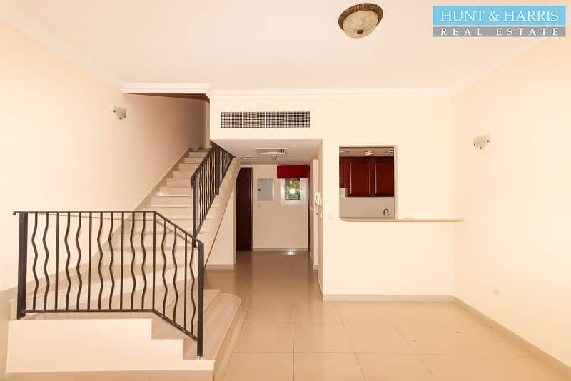 2 VACANT -  Townhouse near the Bayti Pool - Great Value