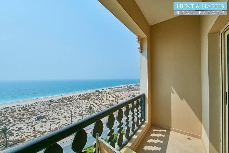 14 Stunning Sea Views - Spacious Studio with Balcony - Prime Location