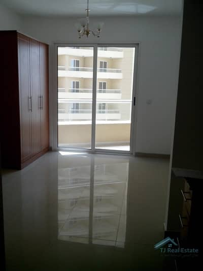 Well Maintained Studio in Lakeside B