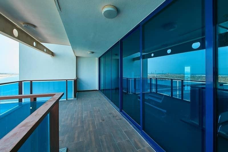 19 Vacant - Spacious Living - Amazing Sea View - Duplex