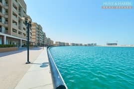 Bright Duplex - Stunning Sea Views - Great Investment