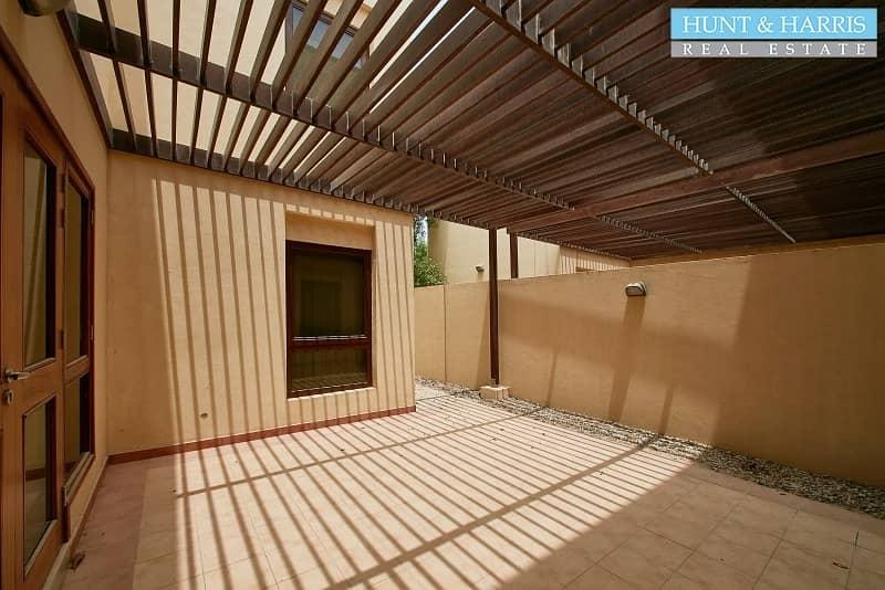 19 Walking distance to the pool - Vacant - Mina Al Arab