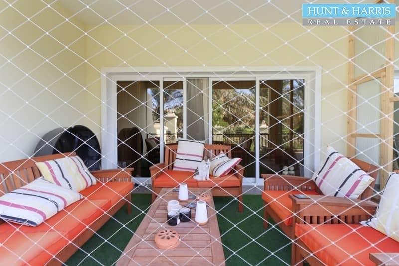 2 Immaculate 4 Bedroom - Garden View