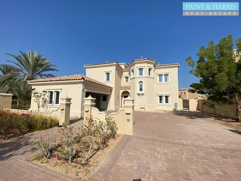 Community Lifestyle - Family Living - 4 Bedroom Villa - Excellent finish.