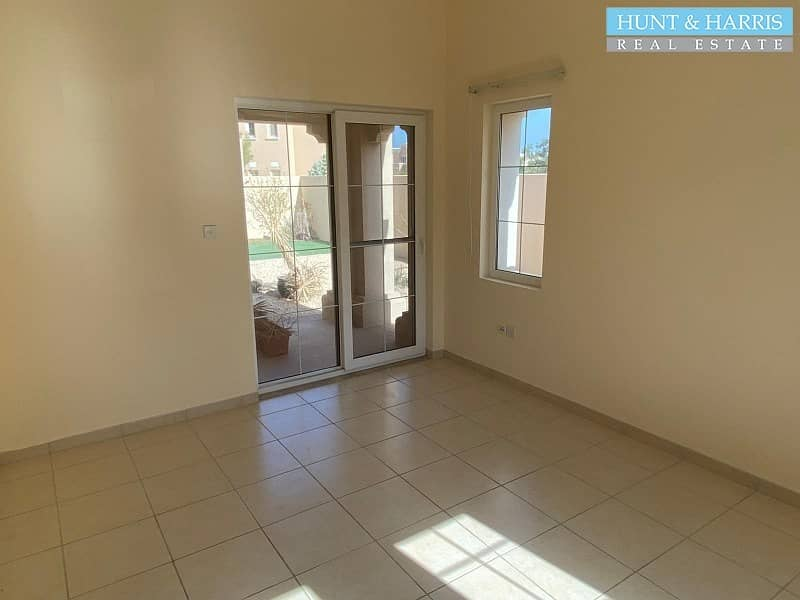 10 Community Lifestyle - Family Living - 4 Bedroom Villa - Excellent finish.
