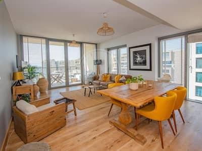 فلیٹ 2 غرفة نوم للبيع في شاطئ الراحة، أبوظبي - Fully upgraded corner apartment with full sea view