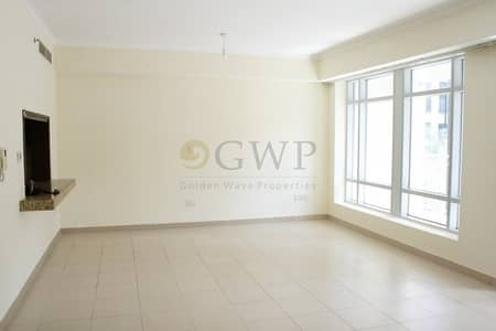 Studio for Rent in Downtown Dubai, Dubai - Pool View I Spacious Studio Apt I Low Floor